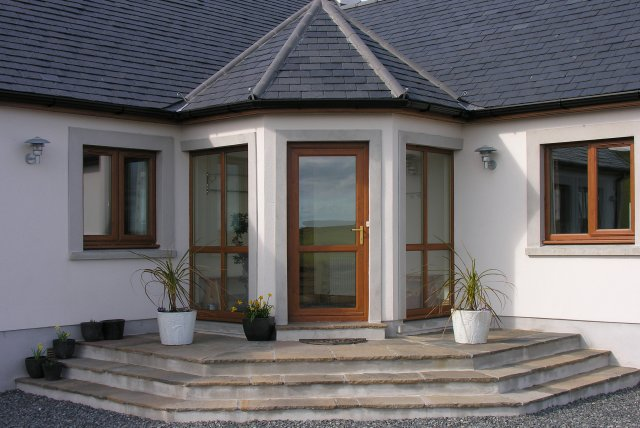 Dundrum Cottage Entrance