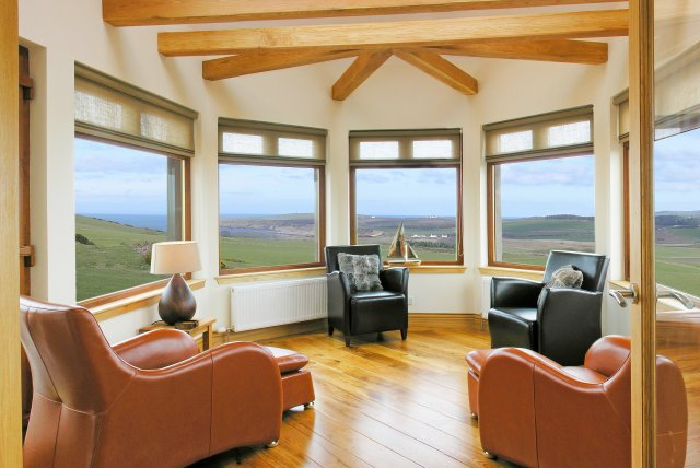 Sunroom with fantastic sea view - self catering cottage Scotland